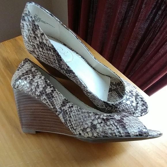 Shoes | Cute Snakeskin Peep Toe Wedges